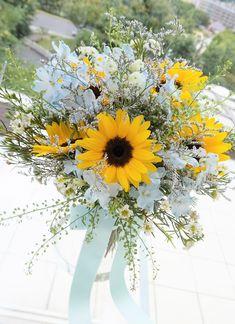 33 ideas bridal bouquet summer colour for 2019 Boho Wedding Bouquet, Blue Wedding Flowers, Bridal Flowers, Pretty Flowers, Wedding Bride, Floral Wedding, Fall Wedding, Dream Wedding, Daisy Wedding