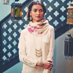 Get this look here. Love it!  Www.chloeandisabel.com/boutique/jenwinegarden