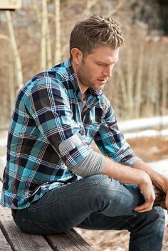 Casual Flannel Outfits For Handsome Men's 37 Mens Shirts Uk, Outfits Con Camisa, Blue Flannel Shirt, Plaid Shirts, Sharp Dressed Man, Check Shirt, Men Dress, Sexy Men, Hot Men
