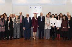 Su Majestad la Reina acompañada por el personal de la Fundación de Ayuda contra la Drogadicción (FAD) Sede de la FAD. Madrid , 12.01.2016