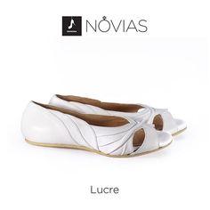 Para novias que aman la comodidad y los detalles ❤️❤️ Estos son los zapatitos de Lucre www.desnuda.it/lucre  #shoes #love #hechoamano #flat #wedding #details #amor #momentosinolvidables #momentosunicos