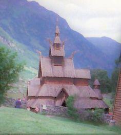 Stabkirche von Borgund im Grünen, Foto: U. Kretschmer