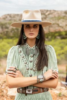 Double D Ranch, Velvet Shorts, Western Wear For Women, Cowgirl Chic, Southwestern Style, Timeless Beauty, Clothing Items, Dress Up, My Style