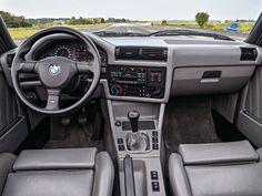 BMW M3 E30 cabriolet 1988-1991 planche de bord - photo BMW