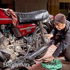 Cómo cambiar una cadena de la motocicleta y Piñones | El Manitas Familia