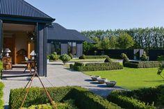 Black house love: Lyn Eglinton's   Cottonwood Interior Design Blog - Cottonwood Interiors - Interior Designer