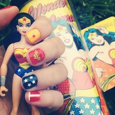 I NEED to do my nails like this!