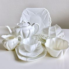 Stunning Shelley Dainty White complete tea service for four,