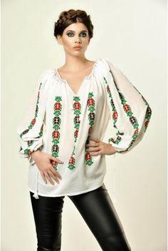 Ie Traditionala Romaneasca Maneca Lunga Motivul Bobocel Folk Costume, Costumes, Beauty Around The World, Ethnic Fashion, Sewing Hacks, Kimono Top, Bell Sleeve Top, Sequins, Feminine