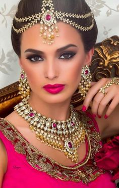 Indian Bride | Bridal Jewelry Sets Styles • Vintage • Indian • Simple • Pakistani • Kundan • Blue • Red • Purple • Pink • Roses