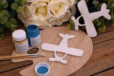 Ξύλινο Αεροπλάνο 15cm WC4-0020-01  Χρησιμοποιήστε το αεροπλάνο για να δημιουργήσετε πρωτότυπες μπομπονιέρες ή διάφορες χειροτεχνίες,για να στολίσετε τη λαμπάδα και το κουτί της βάπτισης, το τραπέζι των ευχών και το candy buffet.
