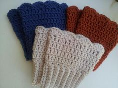 Ravelry: Crochet Boot Cuffs pattern by Michele Gaylor Very easy to make crochet boot cuffs. These have a lovely scalloped edge. Crochet Boots, Crochet Gloves, Bead Crochet, Knit Or Crochet, Crochet Scarves, Crochet Crafts, Crochet Baby, Crochet Projects, Free Crochet