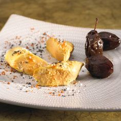 Pour les prunes au vinaigre :Laver et essuyer les prunes.