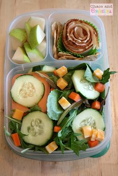 Garden salad with carrot, cucumber and cheese + deli turkey and gluten free crackers + diced pear ~ adult lunch Cold Lunches, Lunch Snacks, Easy Snacks, Healthy Foods To Eat, Healthy Snacks, Healthy Eating, Healthy Recipes, Eating Clean, Fancy Salads