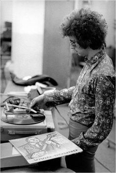 Net Image: Eric Clapton: Photo ID: . Picture of Eric Clapton - Latest Eric Clapton Photo. Eric Clapton, The Addams Family, Roger Daltrey, Fred Flintstone, Marvin Gaye, Rita Hayworth, James Brown, Sophia Loren, Jimi Hendrix