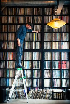 What a dream set-up. ➢➢➢Midwest veteran techno DJ and producer record collection Record Shelf, Vinyl Record Storage, Vinyl Shelf, Vinyl Music, Vinyl Records, Lps, Home Music Rooms, Vynil, Cd Storage