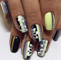 Here are some hot nail art designs that you will definitely love and you can make your own. You'll be in love with your nails on a daily basis. Great Nails, Fabulous Nails, Simple Nails, Amazing Nails, Neon Nails, Shellac Nails, Manicure, Toe Nail Designs, Nail Polish Designs