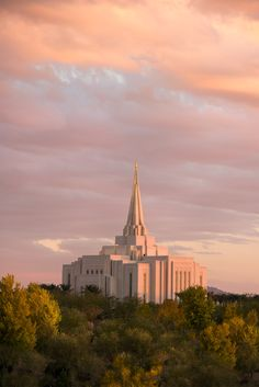 The Gilbert Arizona Temple of The Church of Jesus Christ of Latter-day Saints will open for free public tours on Saturd Lds Temple Pictures, Lds Pictures, Pictures Of Christ, Church Pictures, Mormon Temples, Lds Temples, Gilbert Temple, Later Day Saints, Gilbert Arizona