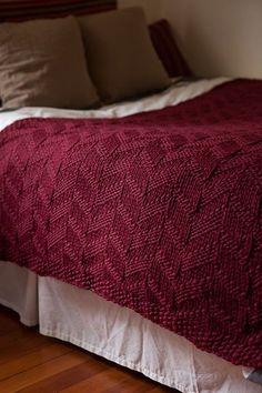 Ravelry: Mock Cable Blanket pattern by Faye Kennington. Knitting Stitches, Free Knitting, Baby Knitting, Knitting Patterns, Crochet Patterns, Blanket Patterns, Knitting Ideas, Knitted Afghans, Knitted Blankets