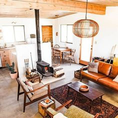 21 Rustic Living Room Furniture Ideas to Warm Up Your Home - The Trending House Cabin Furniture, Western Furniture, Furniture Design, Outdoor Furniture, Cabin Homes, Home Interior Design, Modern Cabin Interior, Modern Cabin Decor, Modern Cabins