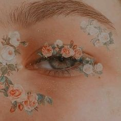 New Eye Makeup Drawing Maquillaje Ideas Aesthetic Eyes, Peach Aesthetic, Angel Aesthetic, Flower Aesthetic, Aesthetic Images, Aesthetic Makeup, Aesthetic Vintage, Aesthetic Art, Aesthetic Wallpapers