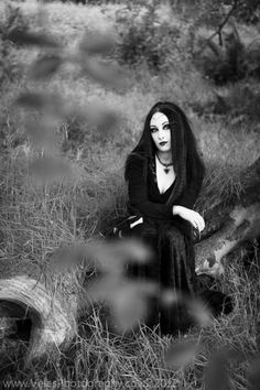 Lovely Gothic Photo. Anyone know the Model's Name?