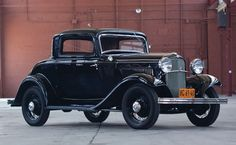 1932 Ford V-8 DeLuxe Three-Window Coupe