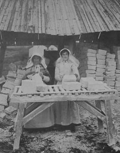 CHINA CLAY BAL MAIDENS (c.1900) | Cornwall: 'Wearing traditional hats and aprons. They formed the clay into bricks by hand; until the 1940s, finer grades of clay were still packed by hand.' ✫ღ⊰n