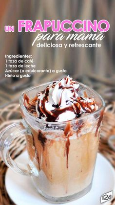 How to make your own delicious healthy and homemade Starbucks Frappuccino recipe without ever leaving your kitchen. Yummy Drinks, Healthy Drinks, Delicious Desserts, Yummy Food, Milkshake Recipes, Smoothie Recipes, Smoothies, Oatmeal Fudge Bars, Breakfast Recipes