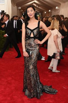 Met Gala 2015: The Best Looks From The Carpet | The Zoe Report Liu Wen in Michael Kors