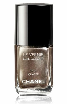 CHANEL LE VERNIS NAIL COLOUR | Autumn 2011 Quartz #525 A beige with silver frost that shows fine, multi-colored glitter in full sun.