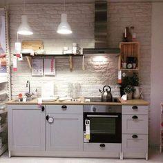Kitchen Ikea, Home Decor Kitchen, Kitchen Design, Kitchen Cabinets, Studio Apartment Kitchen, Studio Kitchen, Knoxhult Ikea, Kitchen And Kitchenette, Cocinas Kitchen