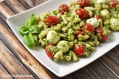 Pesto-Caprese-Pasta-Salad-recipe