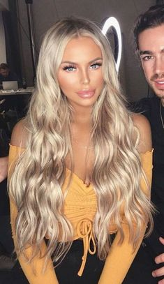 Shop our online store for blonde hair wigs for women.Blonde Wigs Lace Frontal Hair Blond Lace Front Wig From Our Wigs Shops,Buy The Wig Now With Big Discount. Beauté Blonde, Blonde Hair Looks, Brown Blonde Hair, Platinum Blonde Hair, Blonde Highlights, Medium Blonde, Medium Hair, Frontal Hairstyles, Wig Hairstyles