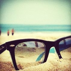 Ray Ban - cool beach picture