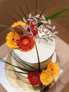 Wedding Cakes, Table Decorations, Furniture, Food, Home Decor, Wedding Gown Cakes, Homemade Home Decor, Meal, Wedding Pie Table