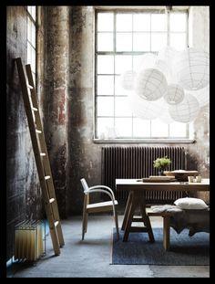 distressed walls, japanese paper lanterns & a ladder please.