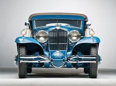 Шикарные ретро-автомобили фото