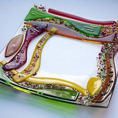 Fused Glas dish made on glass fusing slumping workshop