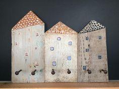 Ciao!!!! Sono felice di condividere l'ultimo arrivato nel mio negozio #etsy: Hanger houses - Casette appenditutto http://etsy.me/2o22zDI #articoliperlacasa #complementidarredo #cameradaletto #hanger #wood #legno #casa #kids #stanzadeibambini