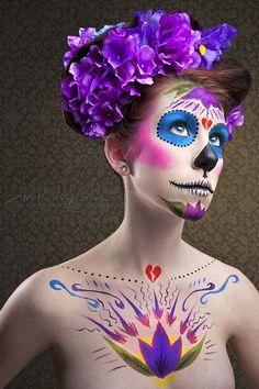 Hoy 2 de Noviembre se celebra el dia de muertos en México y es una de las tradiciones mexicanas que...