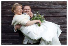 #häät #hääkuvaus #vihkiminen #hääpotretti #weddings #weddingphotography #weddingphotoideas #weddingportrait #weddingportraiture #hääkuvaajakemi #hääkuvaajatornio #hääkuvaajaoulu #hääkuvaajarovaniemi #hääkuvausmerilappi #häävalokuvaaja #valokuvaajakemi #valokuvaajatornio #valokuvaajakeminmaa #valokuvaajaoulu #valokuvaajarovaniemi #dokumentaarinenhääkuvaus You Raise Me Up, Girls Dresses, Flower Girl Dresses, Wedding Dresses, Flowers, Fashion, Dresses Of Girls, Bride Dresses, Moda