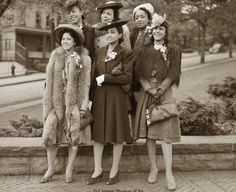 African American Fashion, American Photo, Vintage Black Glamour, Great Photographers, Shades Of Black, Fashion History, Women's Fashion, Suits For Women, 1940s
