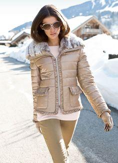 Veste matelassée beige Elégance de la Boutique Elegance Paris prix 429,00 € TTC