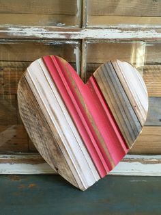 small heart, painted {reclaimed wood} Don't be blue! This reclaimed wood heart packs a big punch. Measuring approximately 1 ft by it is perfect for displaying just about anywhere! This heart can be customized with colors of your choo Pallet Crafts, Diy Wood Projects, Wood Crafts, Diy Crafts, Into The Woods, Woodworking Jigs, Woodworking Projects, Popular Woodworking, Woodworking Furniture