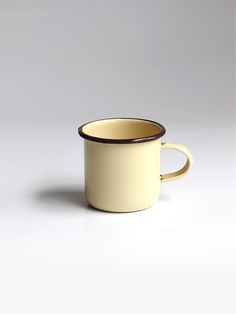 Pocillo beige #enamelware #peltre #beige #pastel #criolla #colombia #design #coffee #tea
