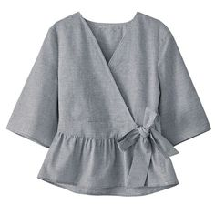 Blouse femme en solde - Women's style: Patterns of sustainability Blouse Styles, Blouse Designs, Hijab Fashion, Fashion Dresses, Mode Abaya, Pakistani Dresses Casual, Designs For Dresses, Casual Tops, Pattern Fashion