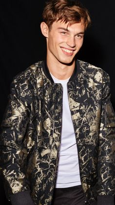 50 best ideas for house party outfit men mens fashion Fashion Night, Party Fashion, Fashion Fashion, House Party Outfit, Dressing, Latest Mens Fashion, Look Cool, Winter Outfits, Men Casual