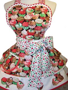 Retro Apron Christmas Cupcakes    Glittering by WellLaDiDa on Etsy, $50.00