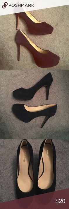Nine West platform suede navy blue heels Nine West platform suede navy blue heels Nine West Shoes Heels
